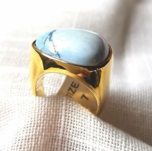 NWT turquoise Howlite in 18k gold plated ring sz 7